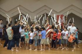 体育の日!足立武道スポーツフェスタで親子が熱戦!チャンバラ開催